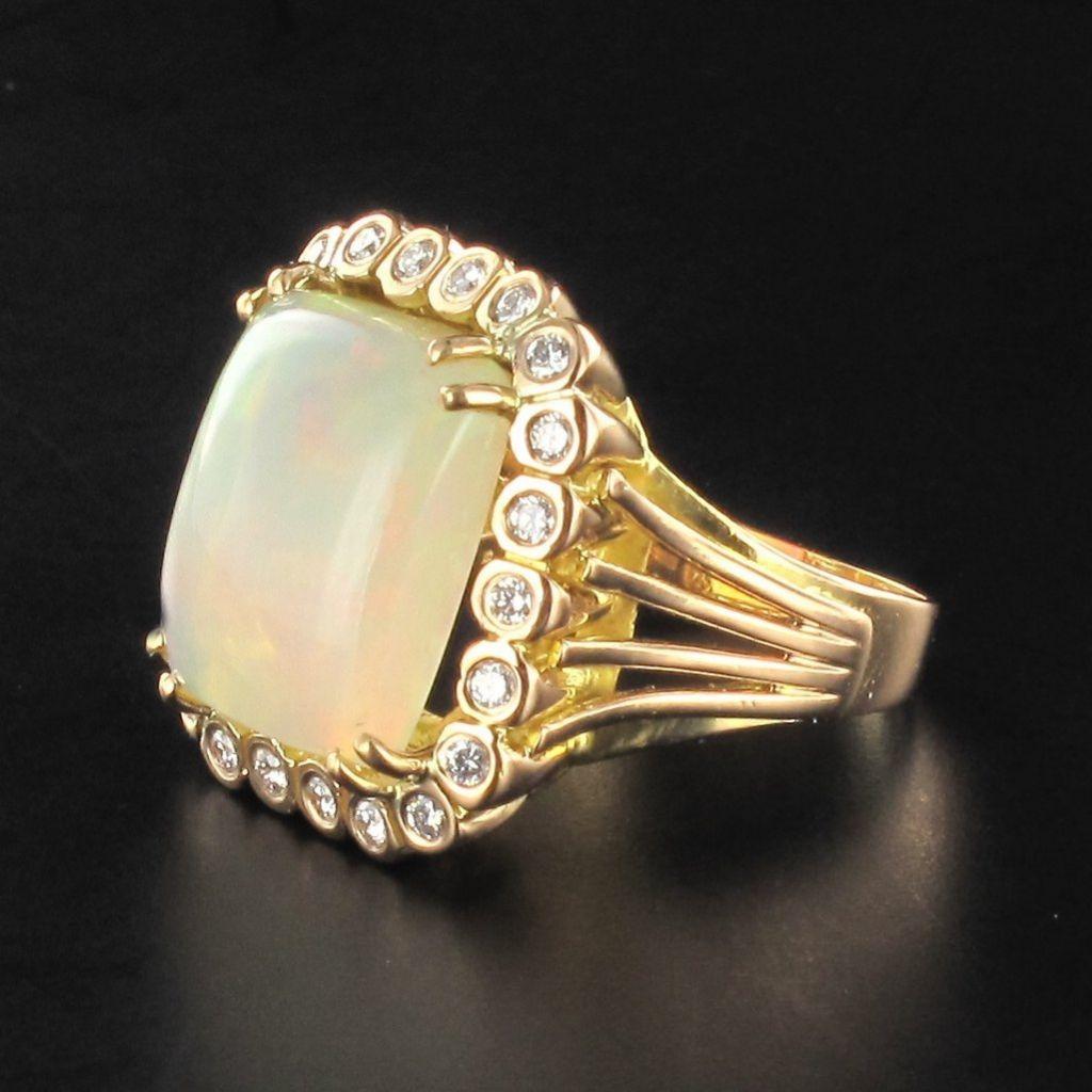 Bague opale et diamants vintage
