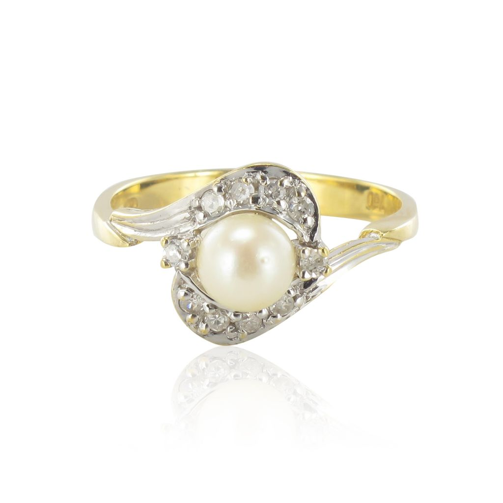 Bague or jaune perle et diamants