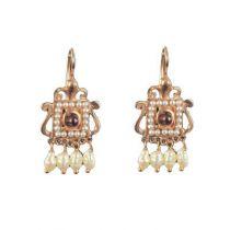 Boucles d 'oreilles carré grenat et perles