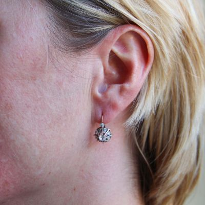 Boucles-d-039-oreilles-ancienne-dormeuse-or-rose-diamants-Earrings
