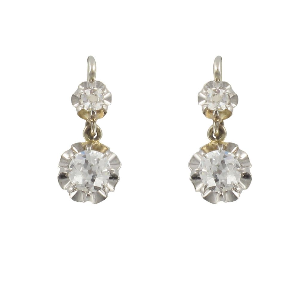 boucle d 39 oreille ancienne or blanc diamants bijouxbaume. Black Bedroom Furniture Sets. Home Design Ideas