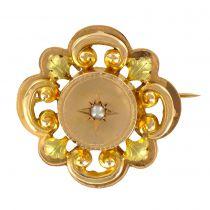 Broche motif végétal or jaune et perles fines