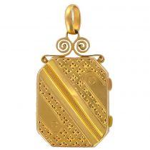 Médaillon en or rectangulaire