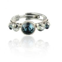 Swarovski crystals and pearls fancy ring