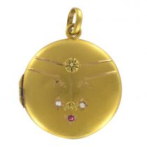 1900s Satin Gold Ruby and Fine pearl Medallion Locket Pendant