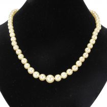 French 1950s Cultured Round White Pearl Necklace