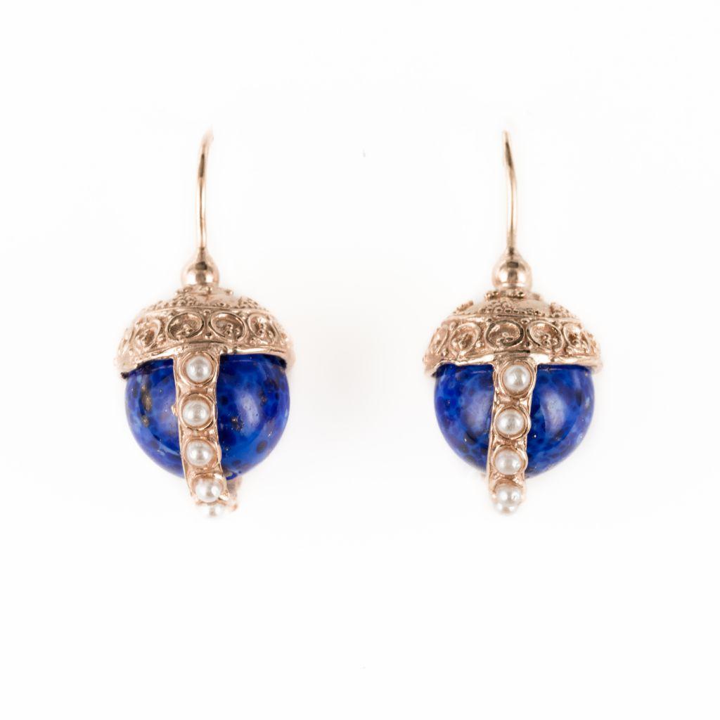 Boucles d'oreilles italiennes perle bleue et décor ciselé et perlé