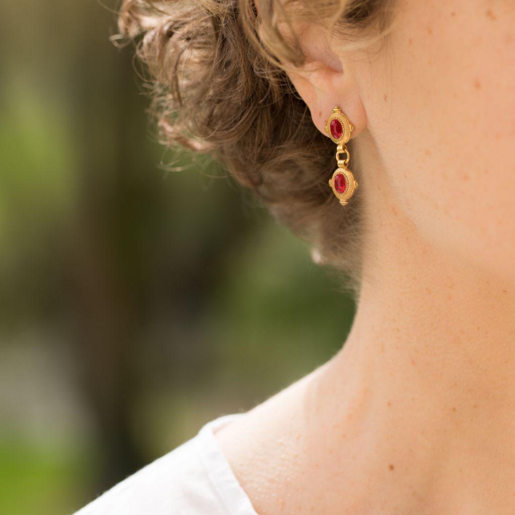 Boucles d'oreilles Etrusques pendantes pierre rouge