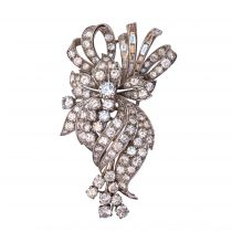 1950s French 7.5 Carats Baguette and Brilliant Cut Diamonds Gold Brooch