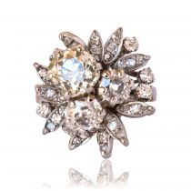 1960s French Champagne and White Diamond Gold Ring