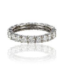 Alliance diamants sur or blanc