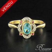 Bague ancienne diamants, rubis de synthèse et pierre verte