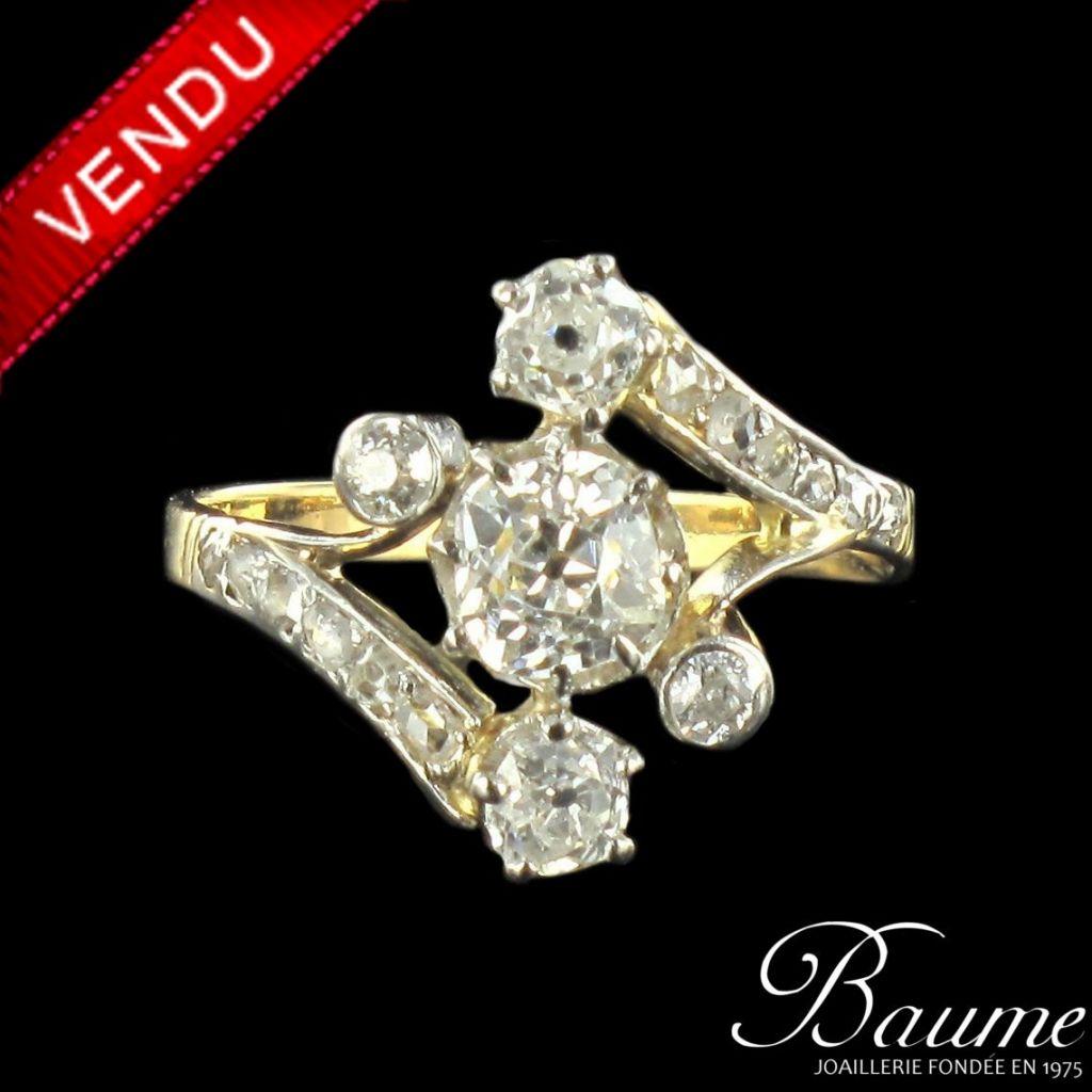 Bague ancienne diamants coussin et brillants