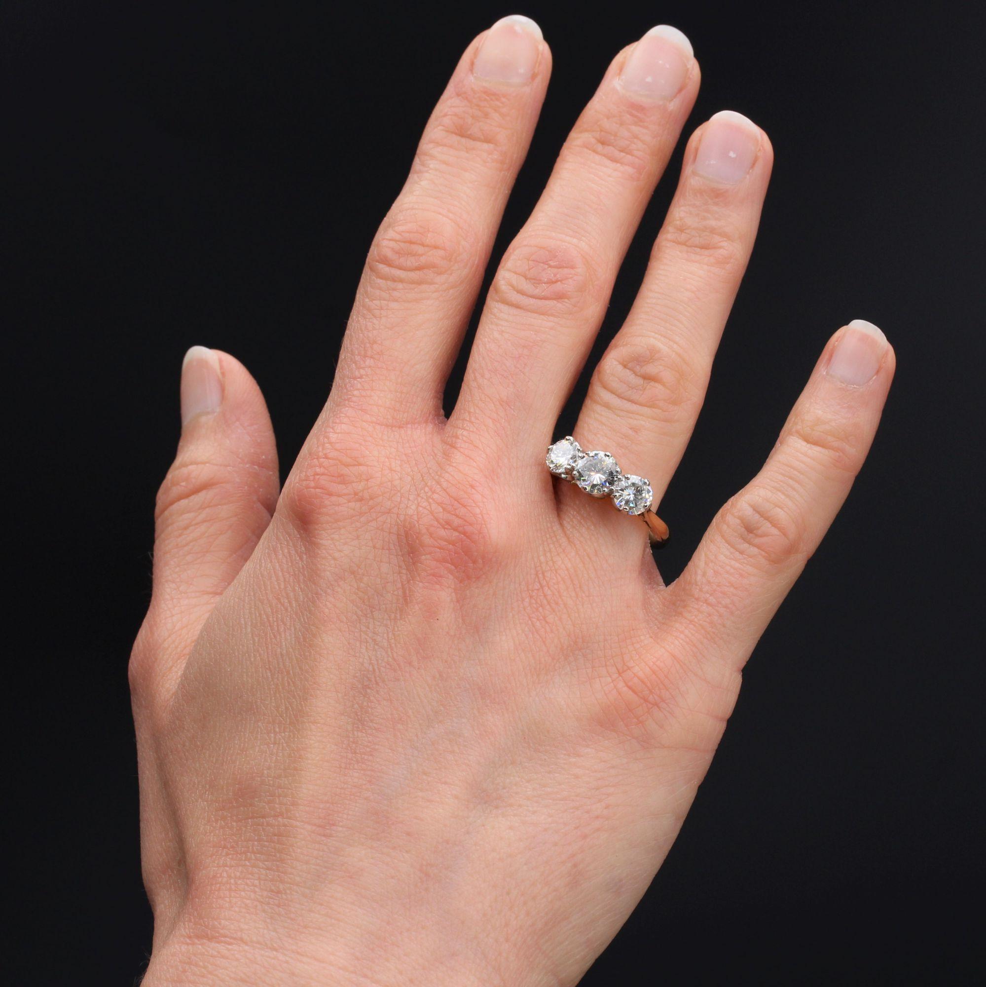 Bague ancienne diamants en jarretière