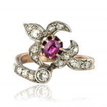 Bague ancienne fleur de lys rubis diamants