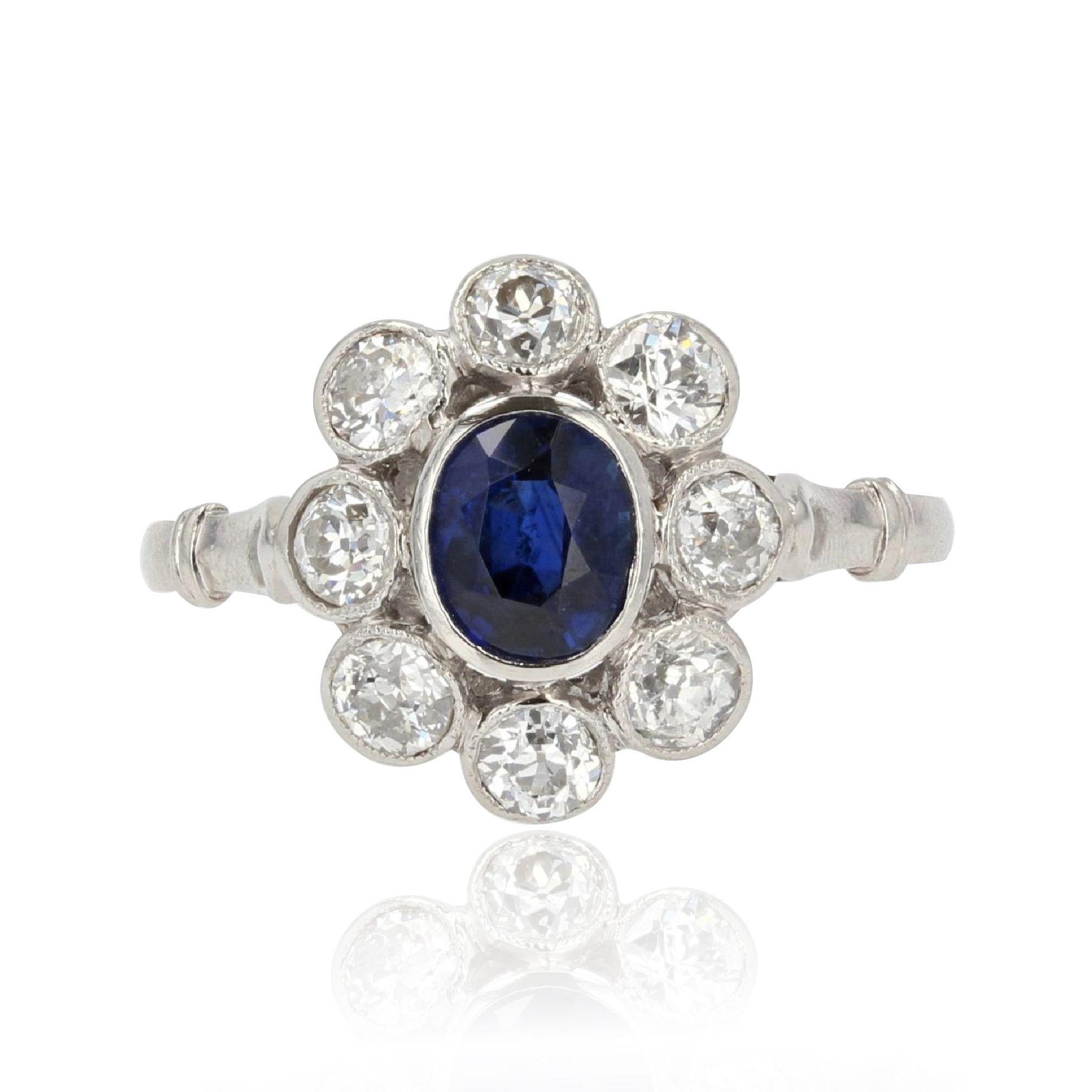 Bague ancienne marguerite saphir diamants