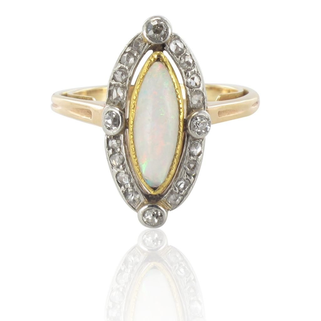 Bague ancienne Opale et Diamants 1900