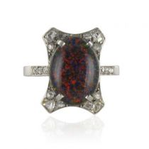 Bague ancienne Opale noire et Diamants