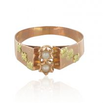 Bague ancienne or rose et vert perles fines