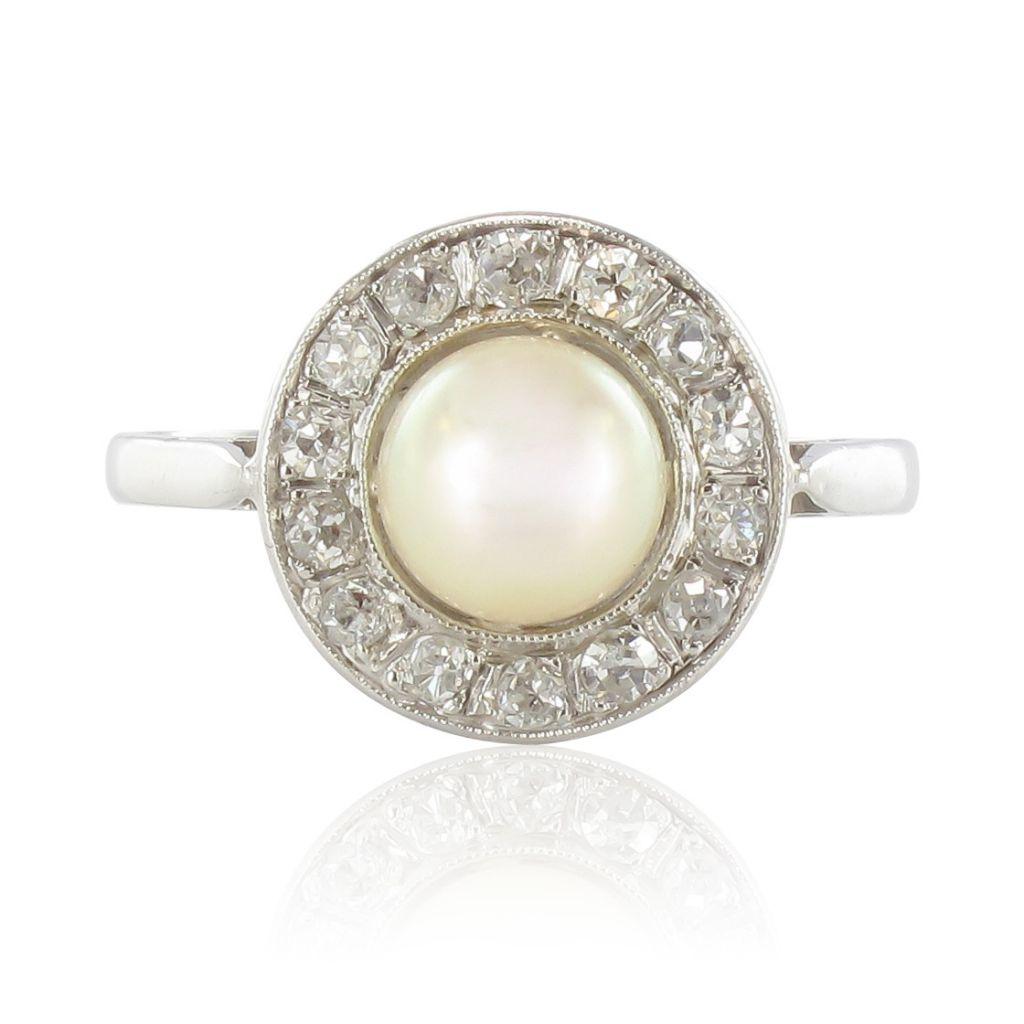 Bague ancienne perle diamants taillés en rose. Loading zoom