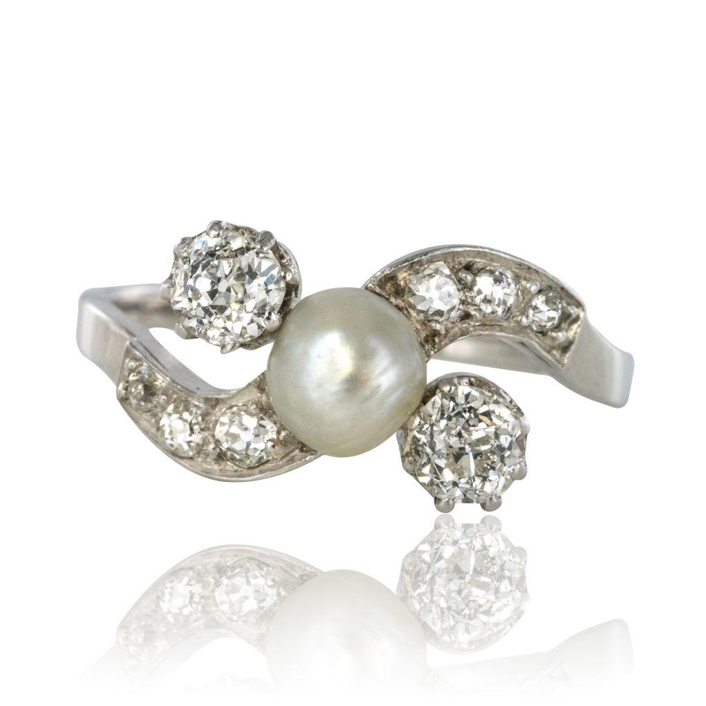 Bague ancienne perle fine bouton et diamants