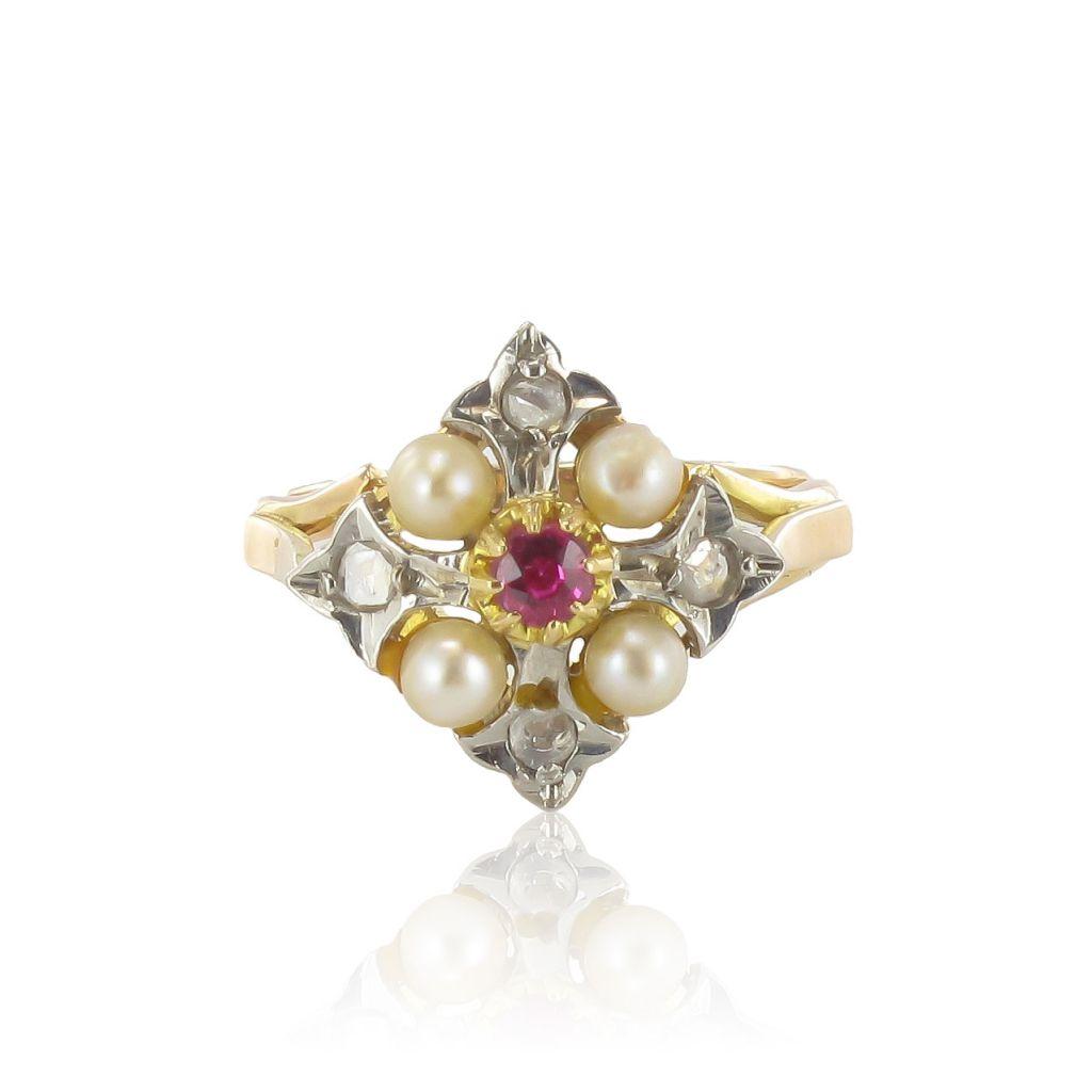 Bague ancienne Perles fines diamants et rubis