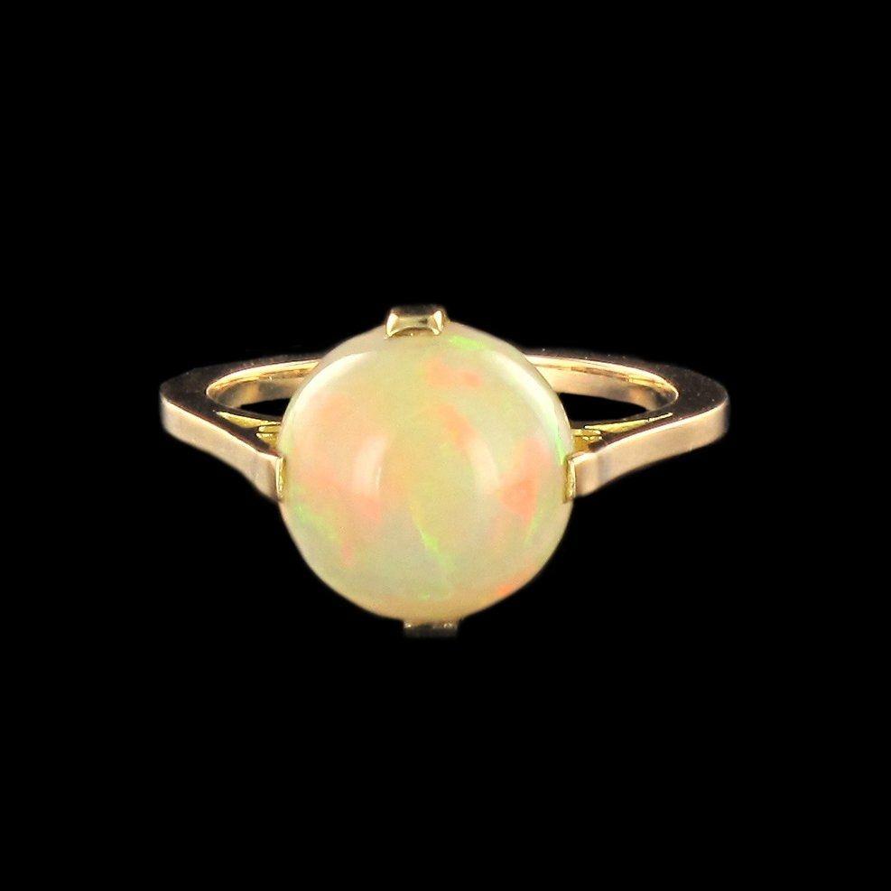 Bague ancienne solitaire opale
