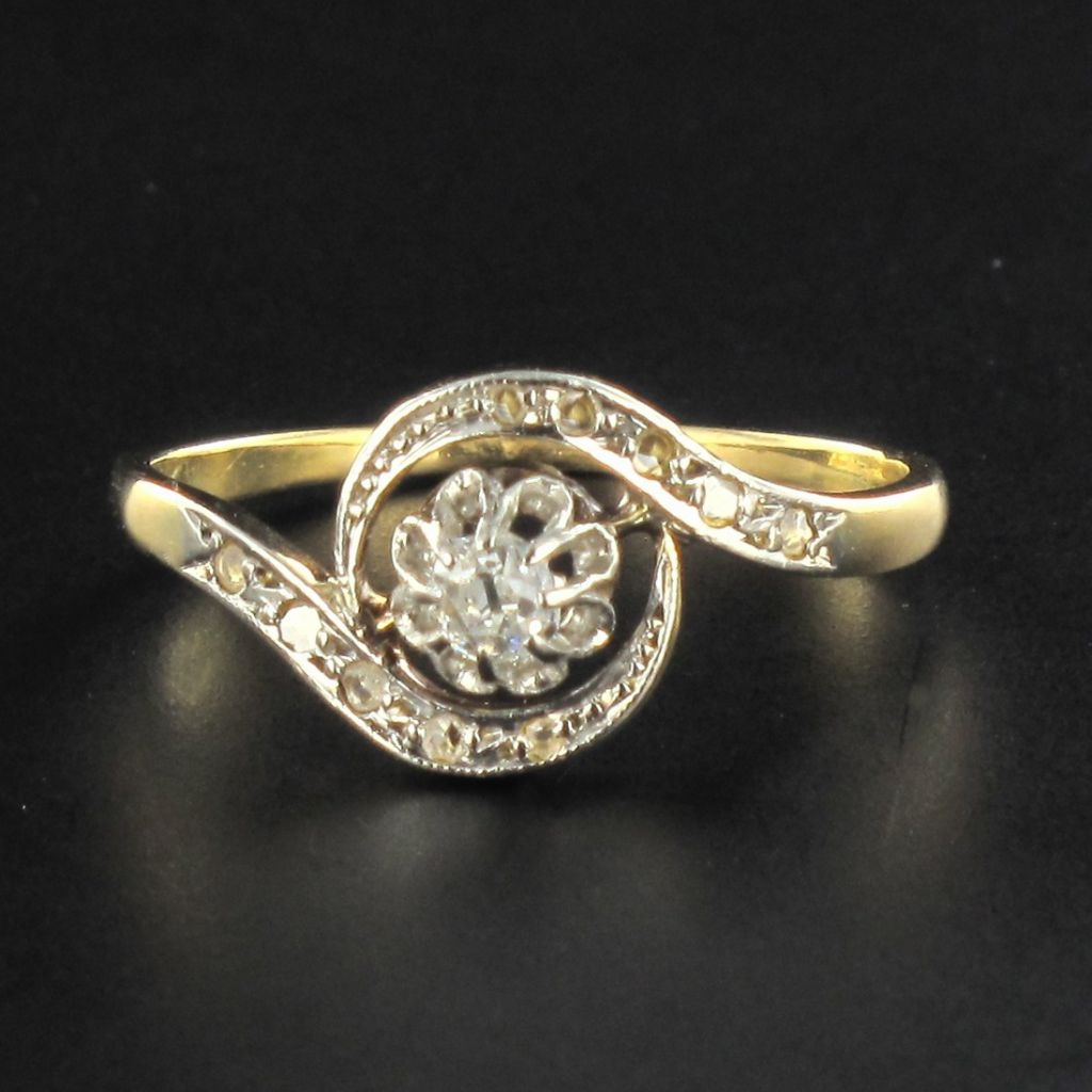 Bague ancienne tourbillon diamants