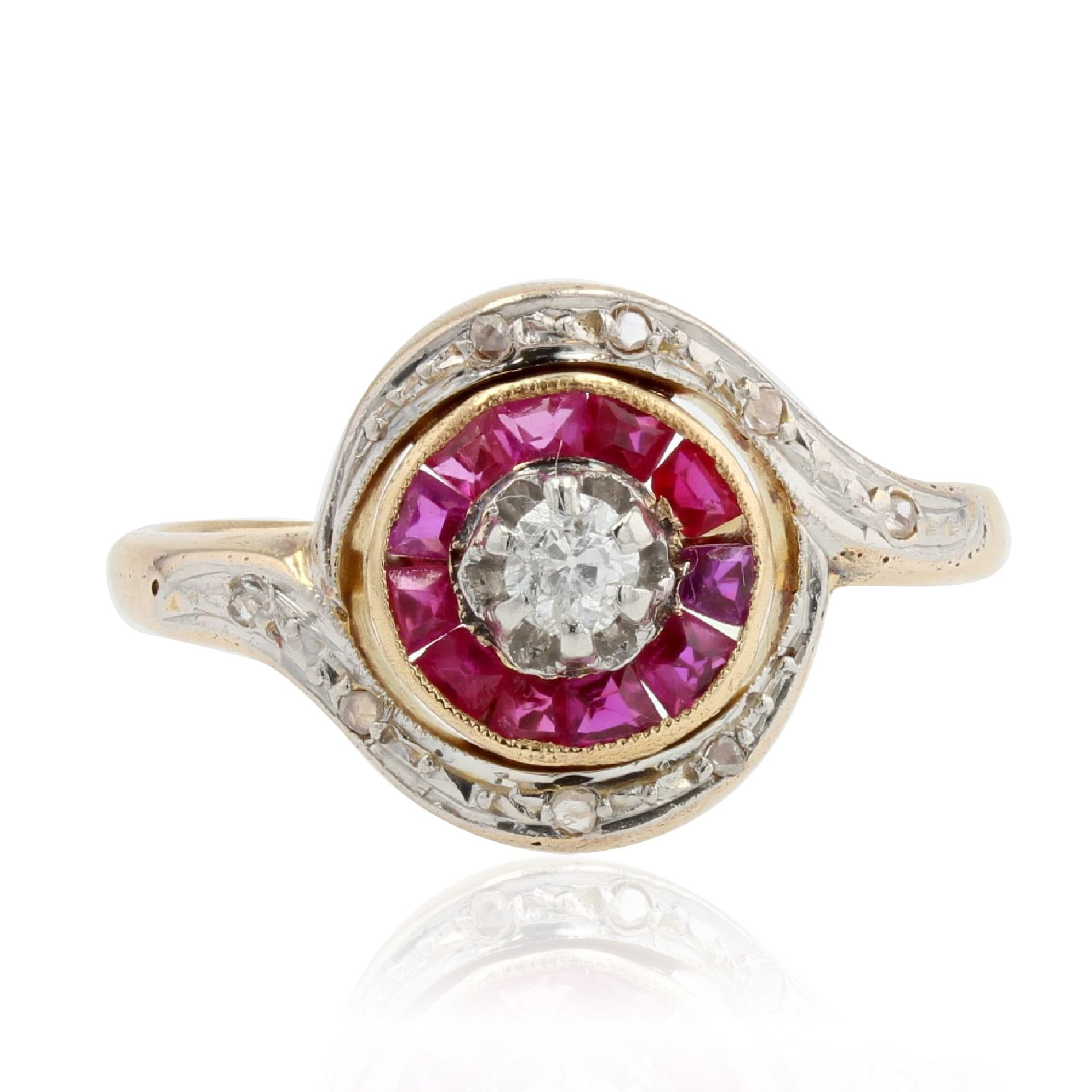 Bague ancienne tourbillon rubis diamant