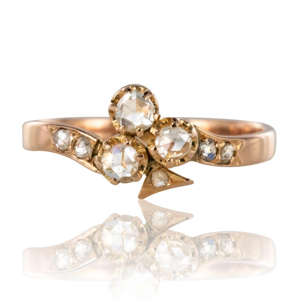 Bague ancienne trèfle diamants