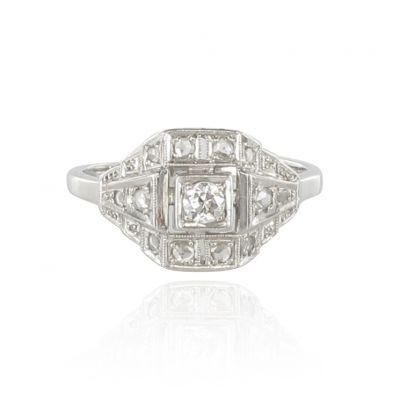 bague de fian ailles art d co diamants bague ancienne bijouxbaume. Black Bedroom Furniture Sets. Home Design Ideas