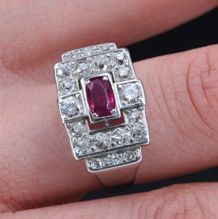 Bague art déco platine rubis diamants
