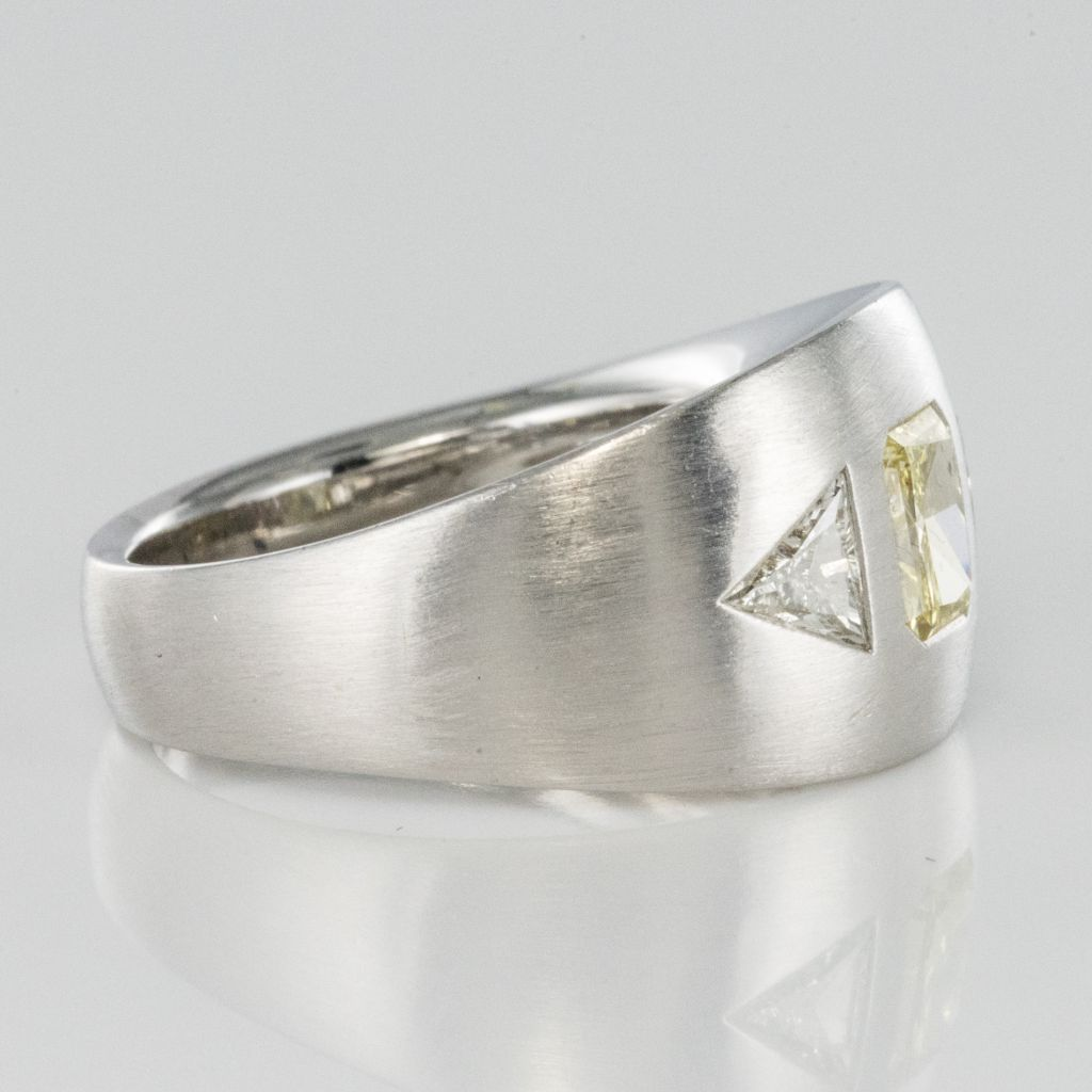 Bague Diamants, Or gris brossé