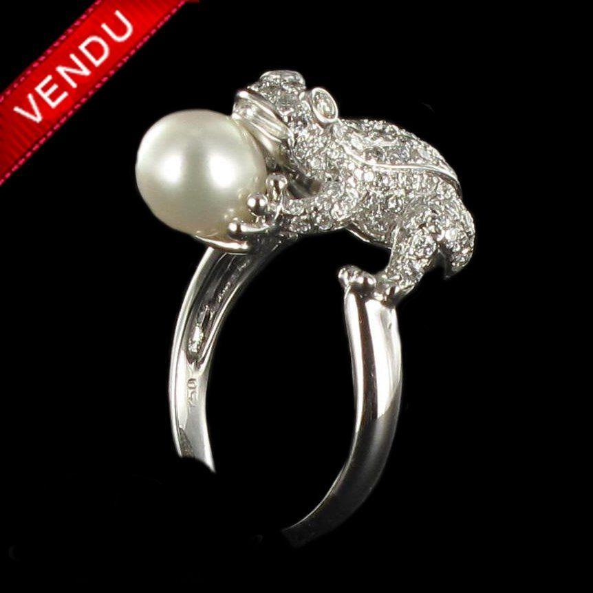 Bague grenouille diamants et perle