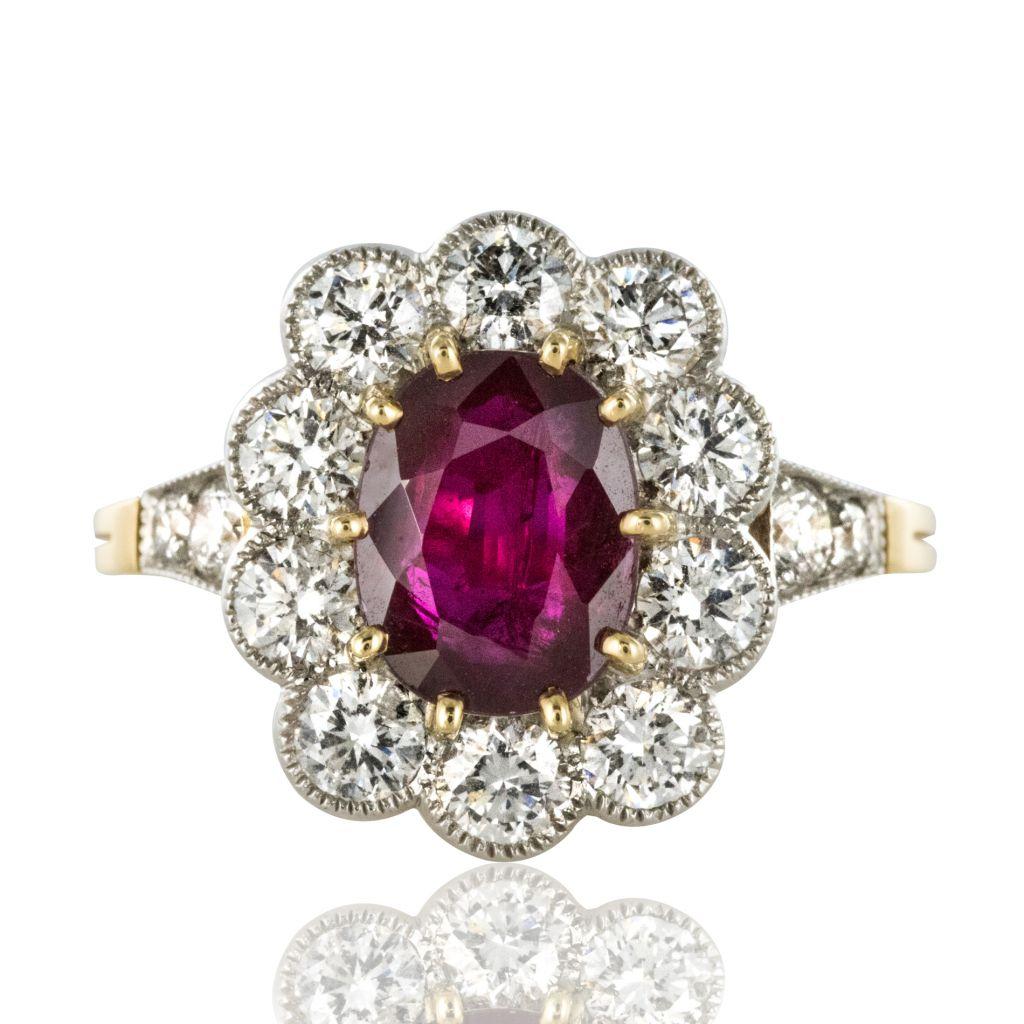 Bague marguerite rubis et diamants ovale