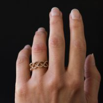 Bague or rose diamants arabesques