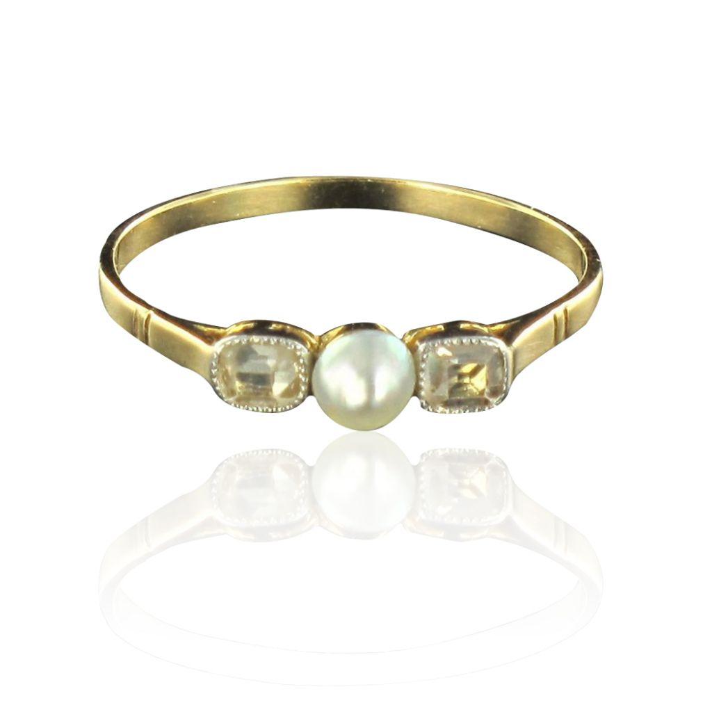 Bague perle fine et diamants or jaune