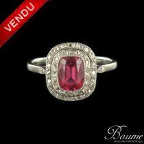 Bague rubis de synthèse et diamants 1930