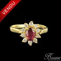 Bague rubis et diamants, marguerite