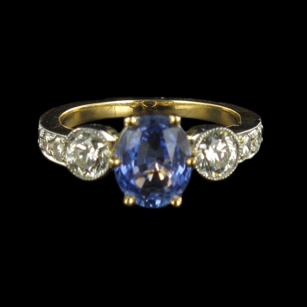 Bague saphir et diamants jarretière G 29