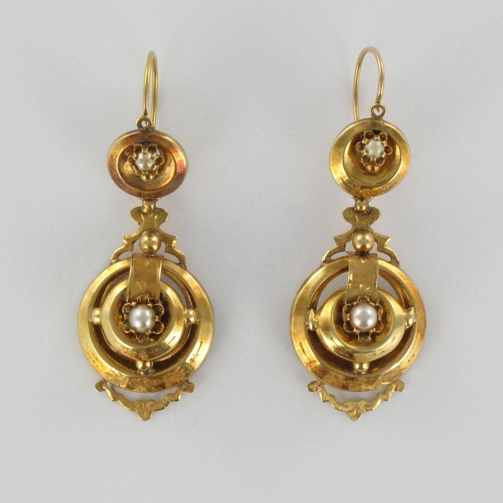 Boucles d 'oreilles anciennes Pendantes or et perles
