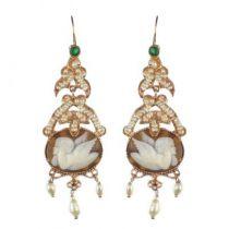 Boucles d 'oreilles camée angelot perles et cristal vert