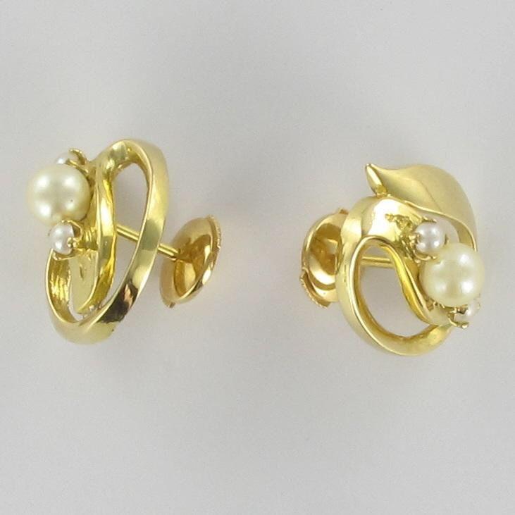Boucles d 'oreilles en or jaune et perles de culture