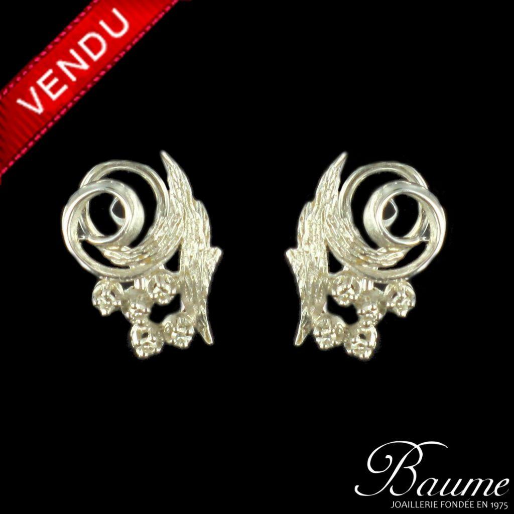 Boucles d 'oreilles or blanc diamants