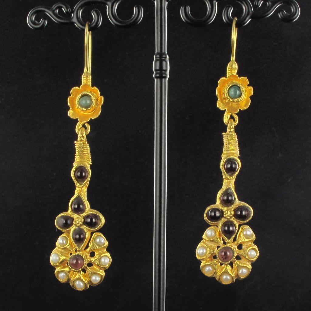 Boucles d 'oreilles pendants pierres, perles et émail