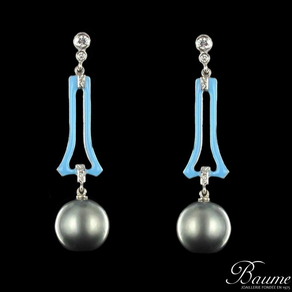 Boucles d 'oreilles perle de tahiti, diamants et émail