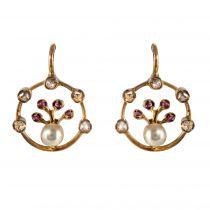 Boucles d\'oreilles anciennes perle diamants rubis