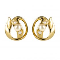 Boucles d\'oreilles en or jaune et perles de culture