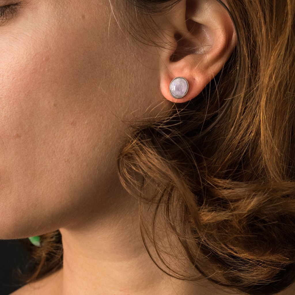 Boucles d\'oreilles jades violets et émeraudes