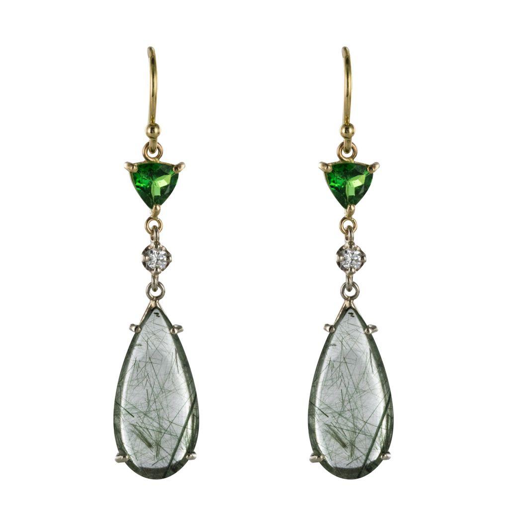 Boucles d\'oreilles quartz à rutile grenats tsavorites et diamants